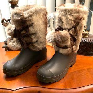 Dirty Laundry Polar Cap Faux Fur Duck Boots